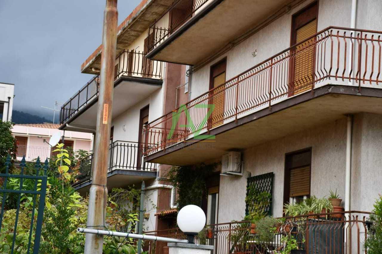 Appartamento in buone condizioni in vendita Rif. 8729943