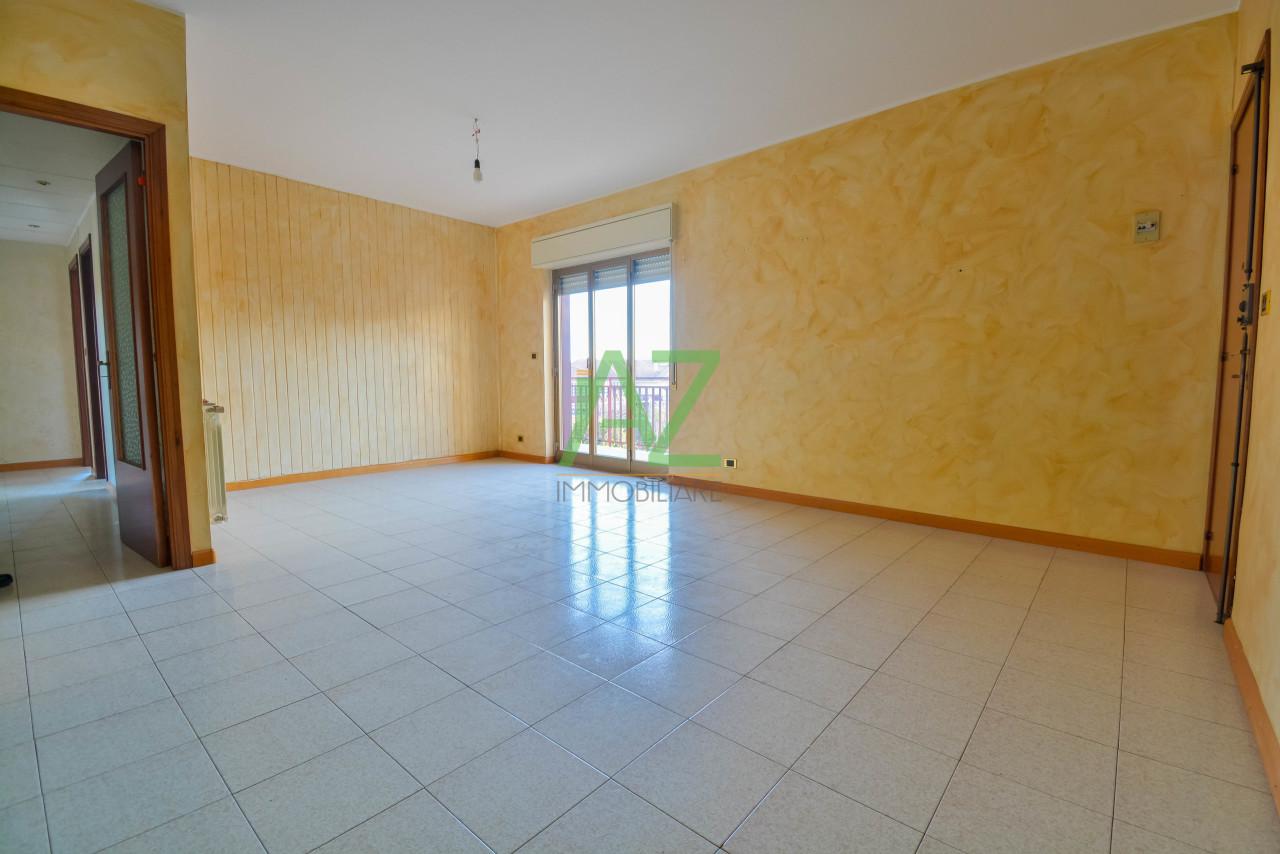 Appartamento in buone condizioni in vendita Rif. 9581007