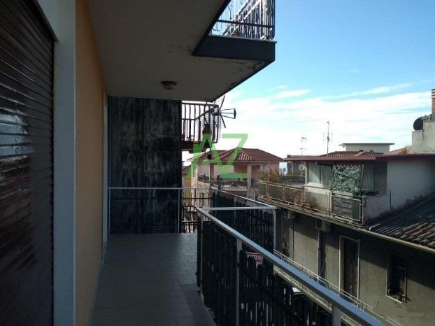 Appartamento da ristrutturare in affitto Rif. 9581006