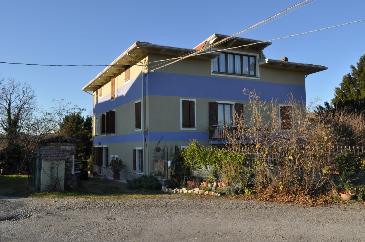 Porzione di casa in buone condizioni in vendita Rif. 11756767