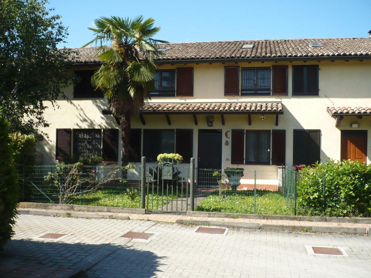 Casa Indipendente in ottime condizioni in vendita Rif. 10424634