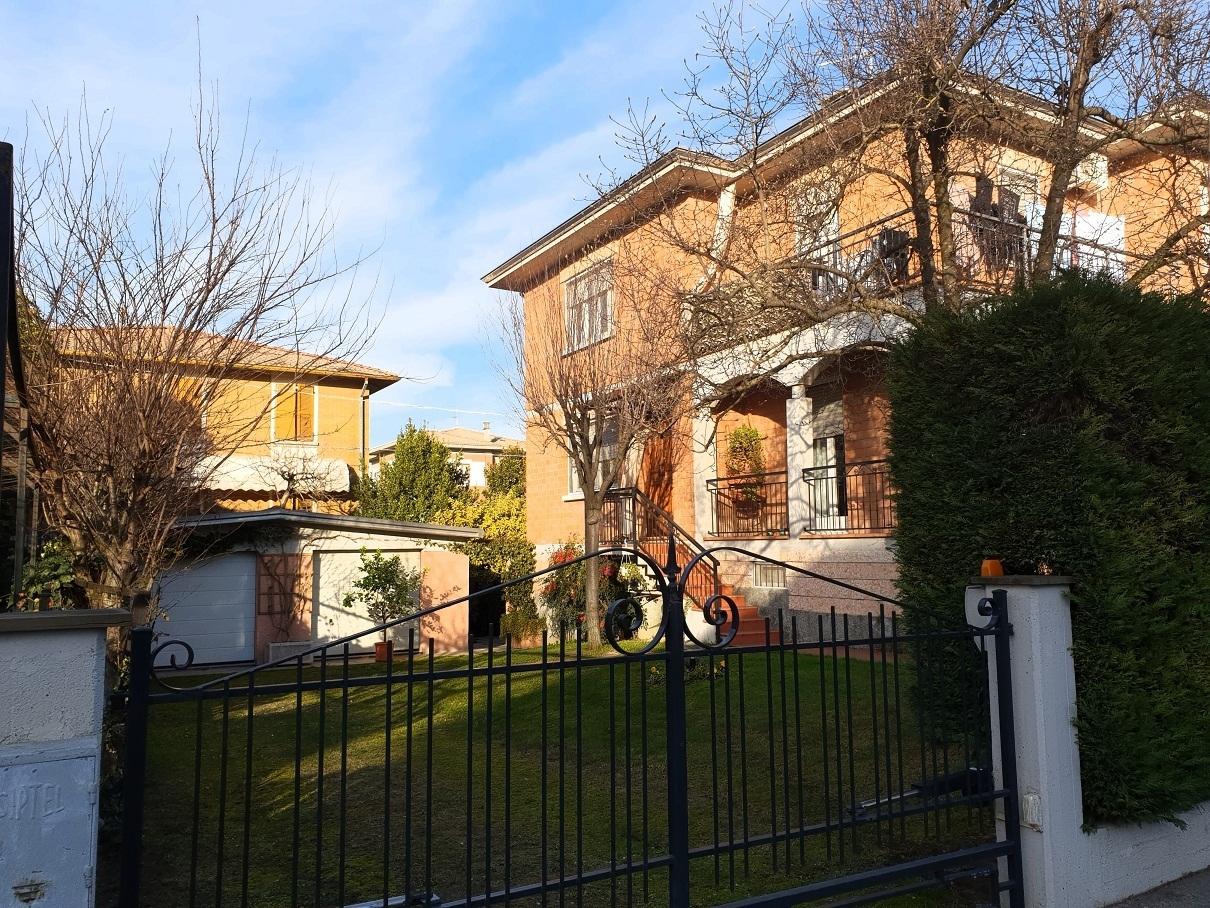 Villetta a schiera in ottime condizioni in vendita Rif. 11959746