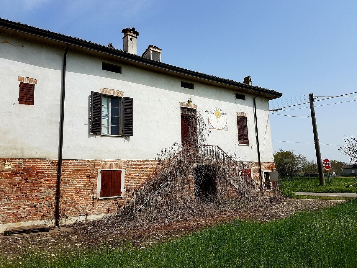 Casa Indipendente in discrete condizioni in vendita Rif. 10158311