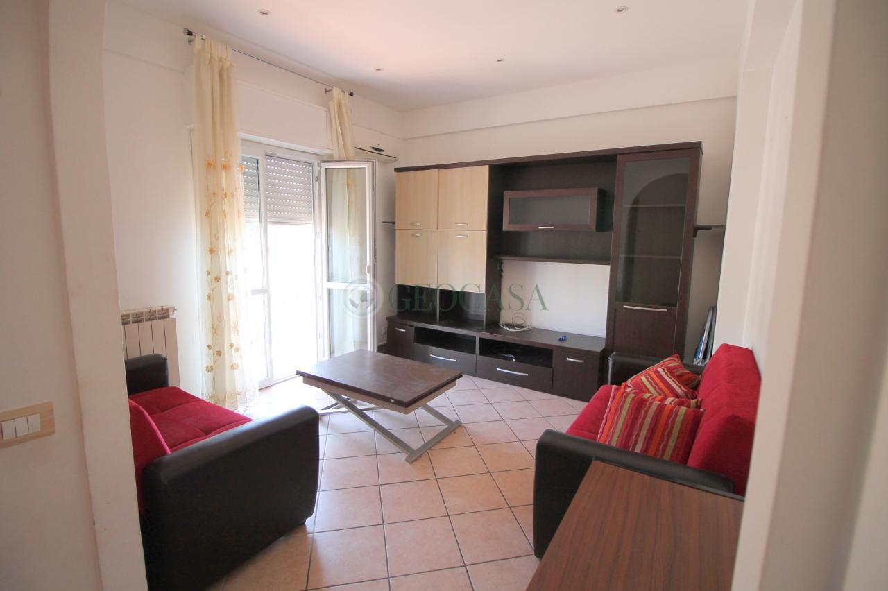 Appartamento in ottime condizioni arredato in vendita Rif. 8633182