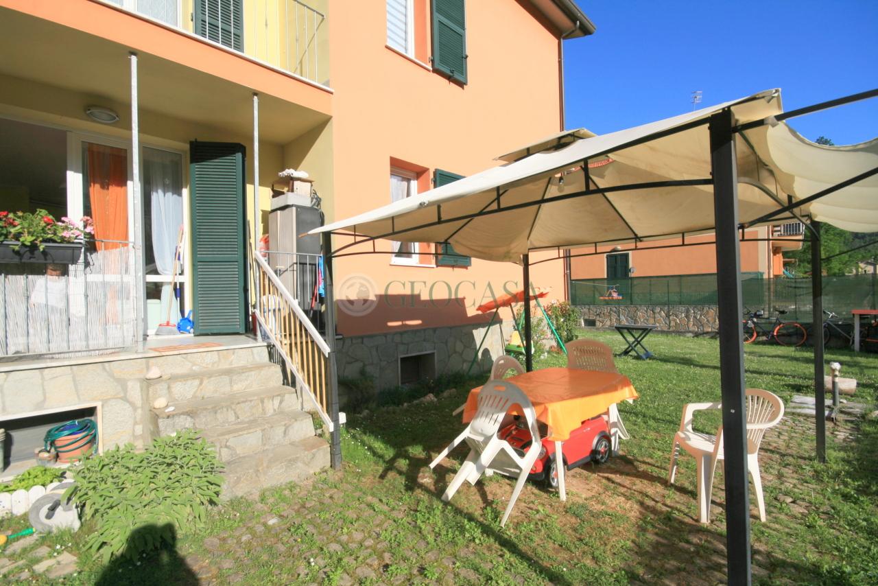 Appartamento in vendita a Riccò del Golfo di Spezia, 3 locali, prezzo € 135.000 | CambioCasa.it