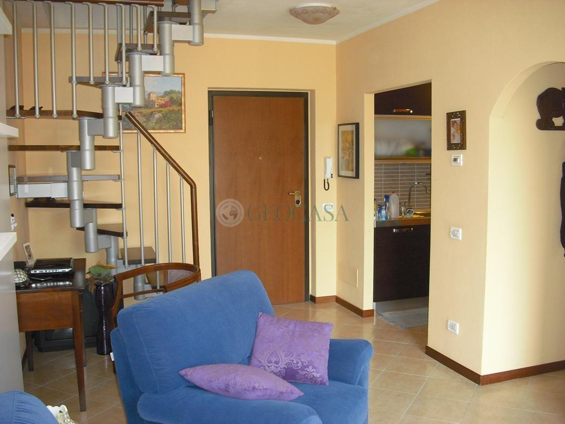 Appartamento in vendita a Follo, 4 locali, prezzo € 128.000   CambioCasa.it