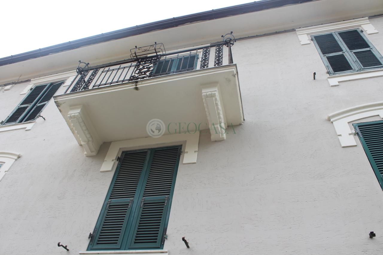 Appartamento in vendita a Bolano, 5 locali, prezzo € 140.000 | CambioCasa.it