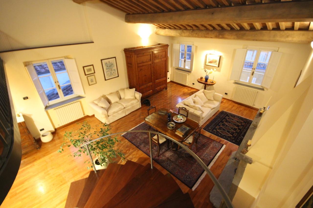 Appartamento Lucca Centro storico IA03230 img 4