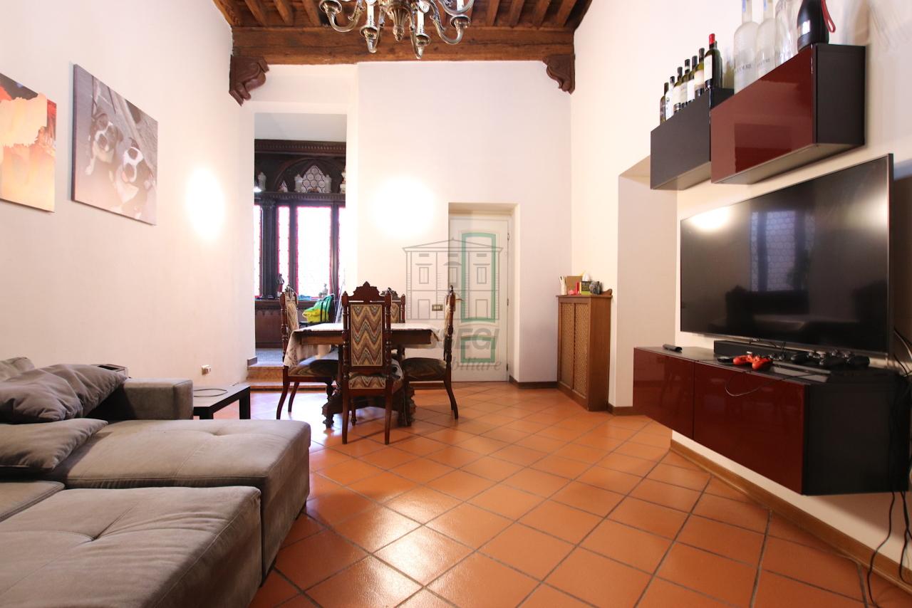 Appartamento Lucca Centro storico IA00362 img 6