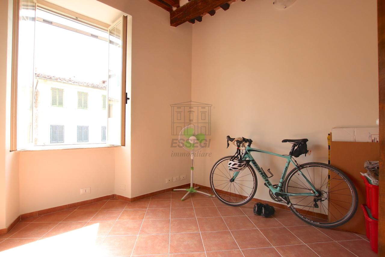 Appartamento Lucca Centro storico IA01844 img 14