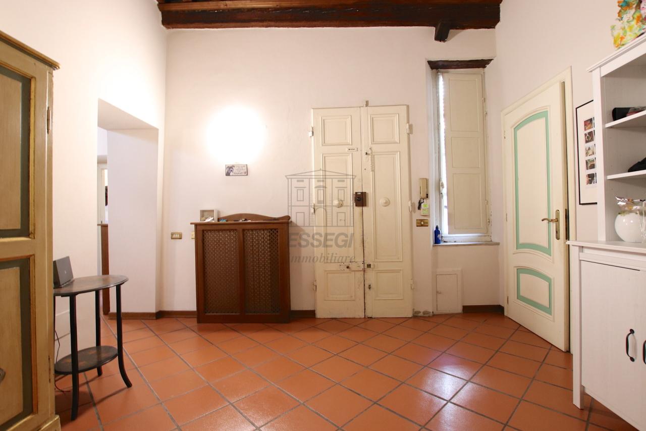 Appartamento Lucca Centro storico IA00362 img 28
