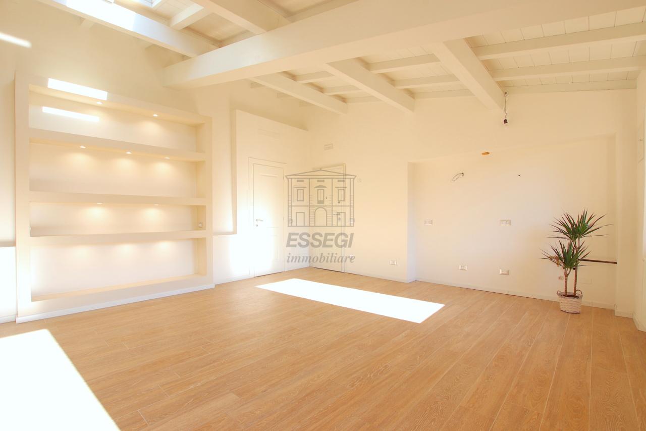 Appartamento Lucca Centro storico IA01850-bis img 3
