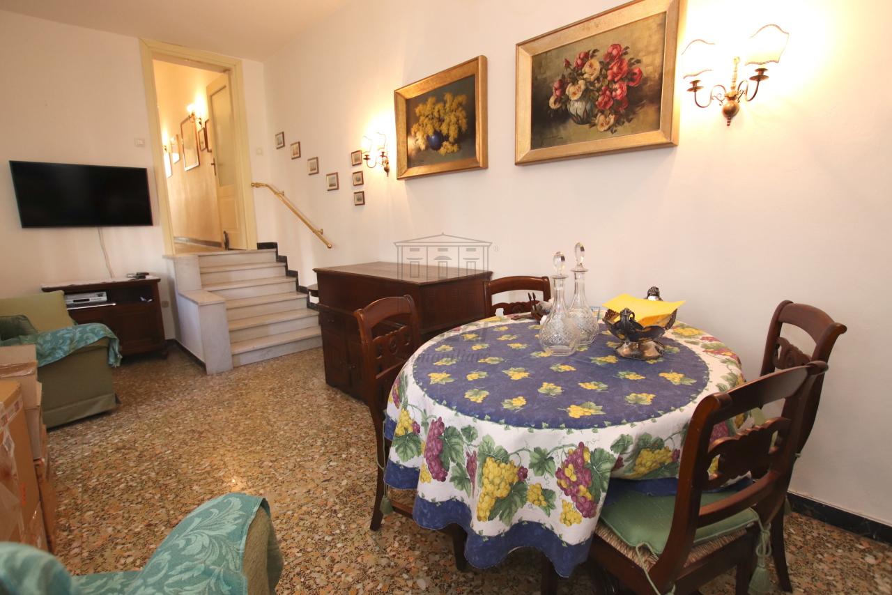 Appartamento Lucca Centro storico IA03499 img 8