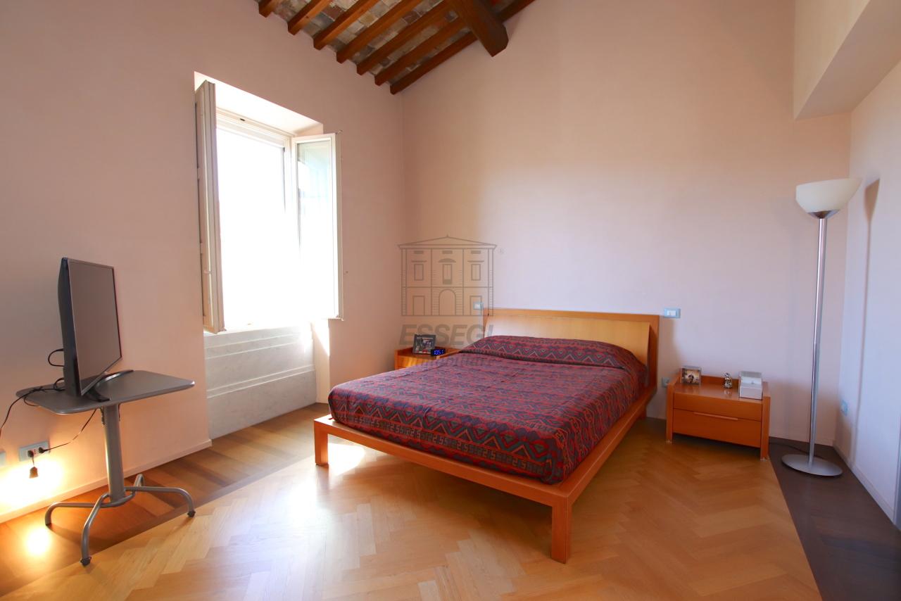 Appartamento Lucca Centro storico IA03502 img 40
