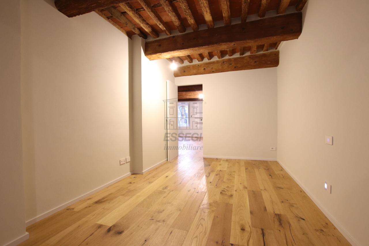 Appartamento Lucca Centro storico IA03520 img 20