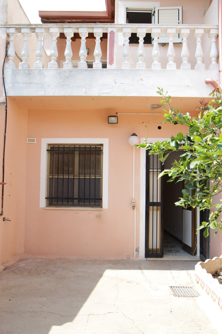 Casa Indipendente in discrete condizioni in vendita Rif. 8983105