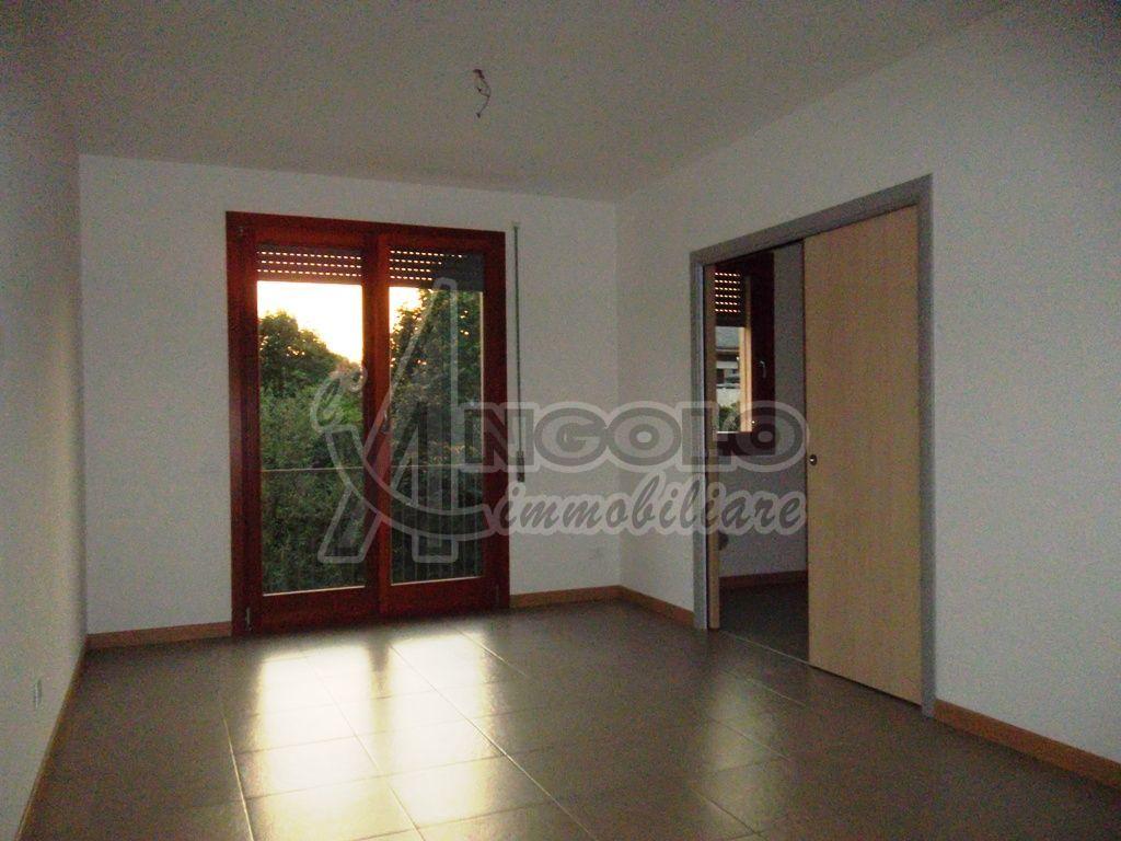 Appartamento in ottime condizioni in affitto Rif. 10280845