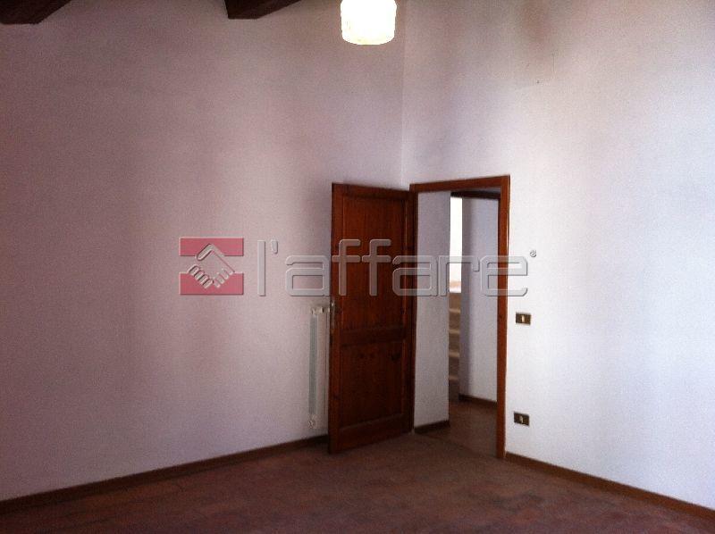 Appartamento in affitto a Chianni, 3 locali, prezzo € 400   CambioCasa.it