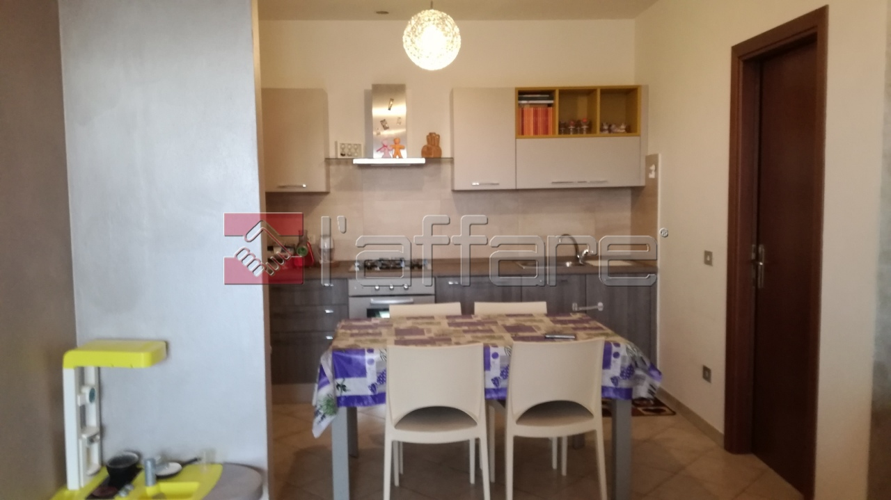 Appartamento in buone condizioni in vendita Rif. 9135588
