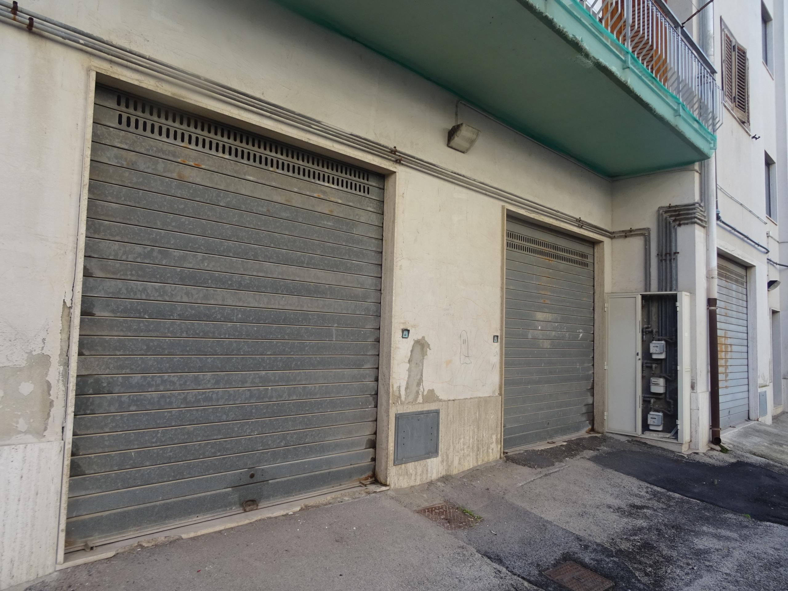 Rif ia4165 appartamento ufficio vendita a siracusa scala for Garage con ufficio