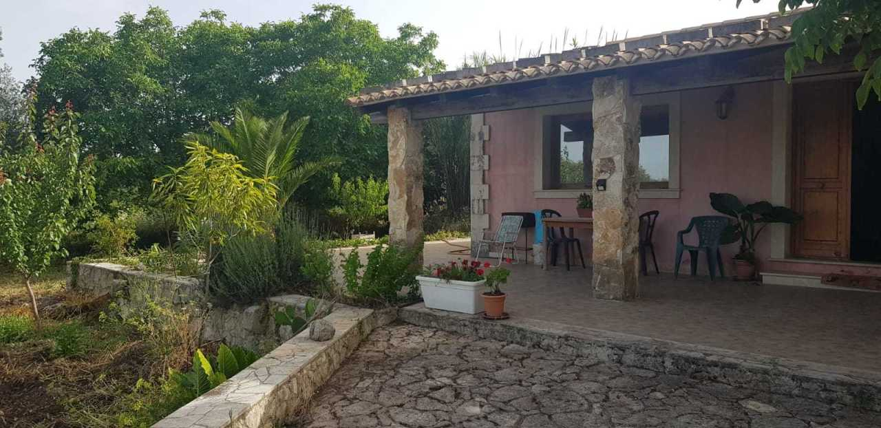 Villa in affitto a Palazzolo Acreide, 3 locali, prezzo € 400 | PortaleAgenzieImmobiliari.it