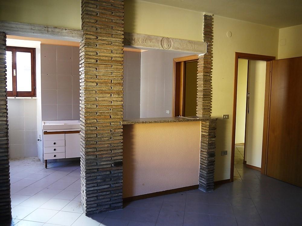 Appartamento in buone condizioni in vendita Rif. 9284749