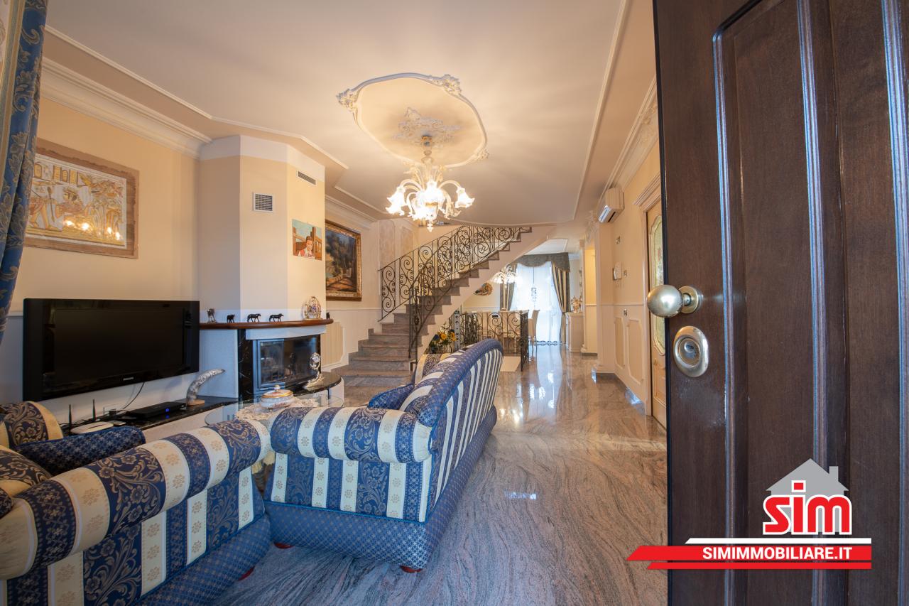 Villa in vendita a Garbagna Novarese, 6 locali, prezzo € 395.000 | PortaleAgenzieImmobiliari.it