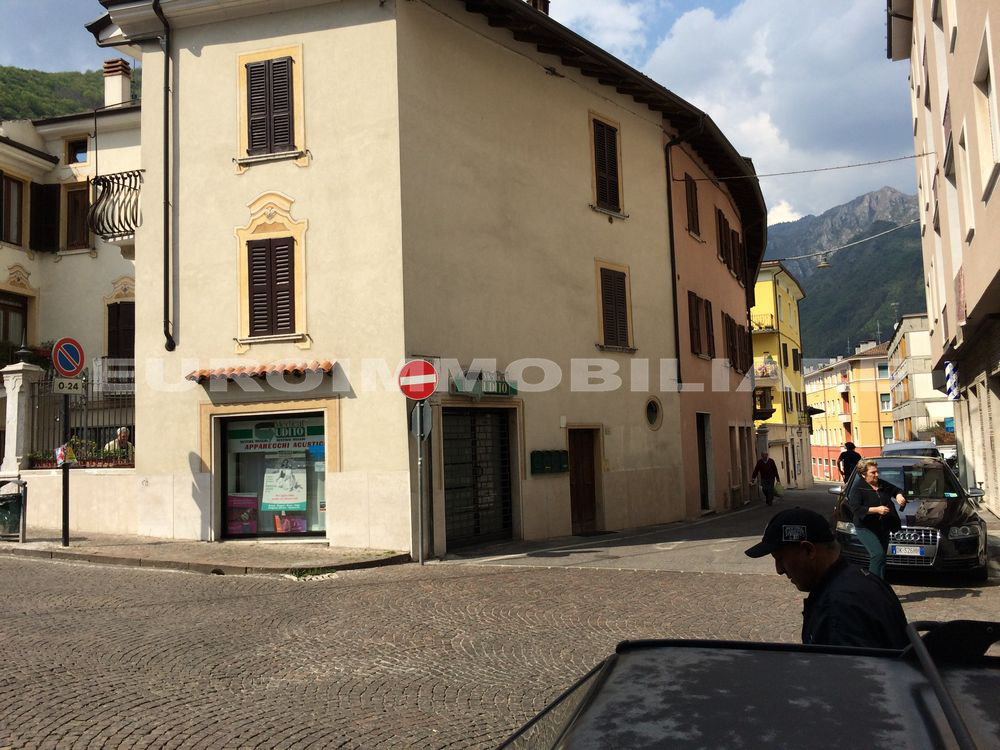 Negozio / Locale in affitto a Gardone Val Trompia, 1 locali, prezzo € 650 | CambioCasa.it