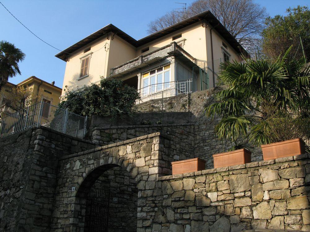 Villa a Lovere