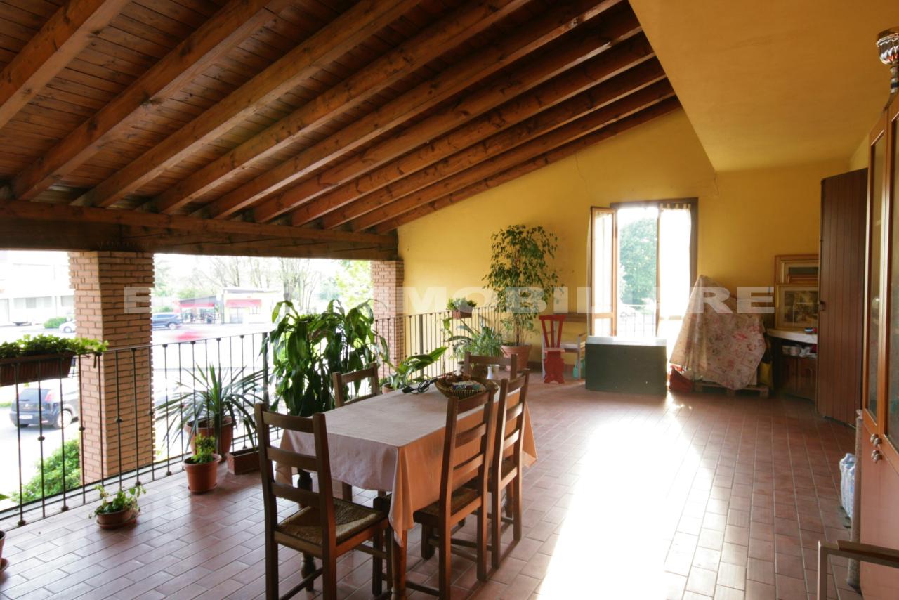 Appartamento in vendita a Bagnolo Mella, 4 locali, prezzo € 215.000   CambioCasa.it