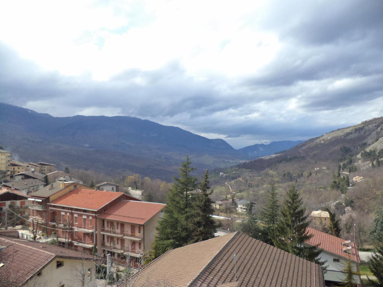 Appartamento in vendita a Caramanico Terme, 5 locali, prezzo € 83.000 | PortaleAgenzieImmobiliari.it
