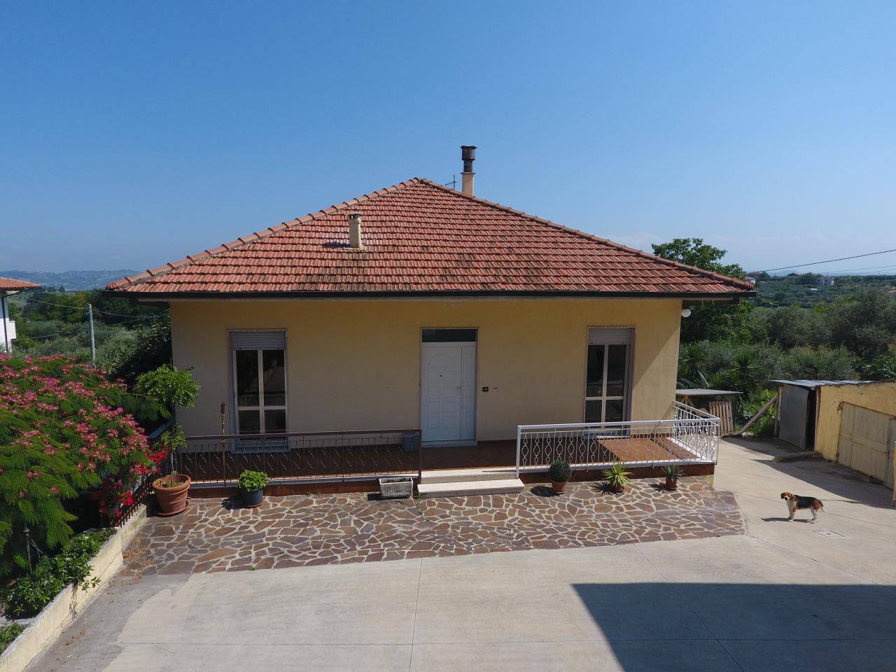 Casa Indipendente in buone condizioni in vendita Rif. 7292946