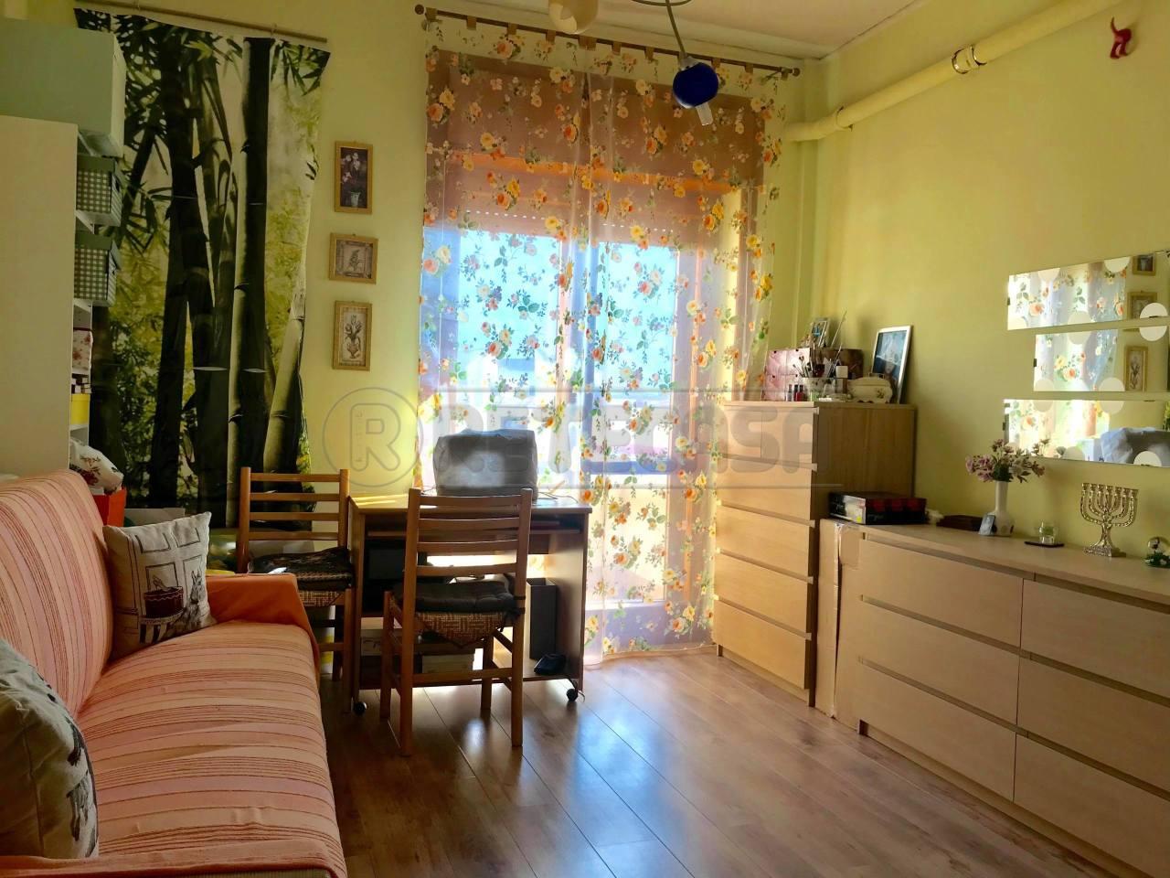 Appartamento in buone condizioni in vendita Rif. 7955276