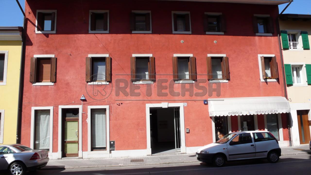 Negozio / Locale in affitto a Palmanova, 1 locali, Trattative riservate | CambioCasa.it