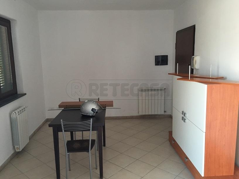 Bilocale arredato in affitto Rif. 8801700