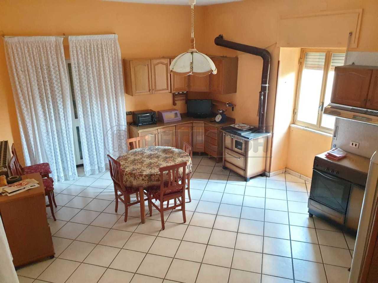 Casa Indipendente in buone condizioni in vendita Rif. 11060032