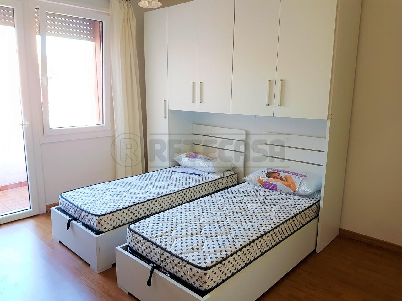 Appartamento in buone condizioni arredato in affitto Rif. 12194220