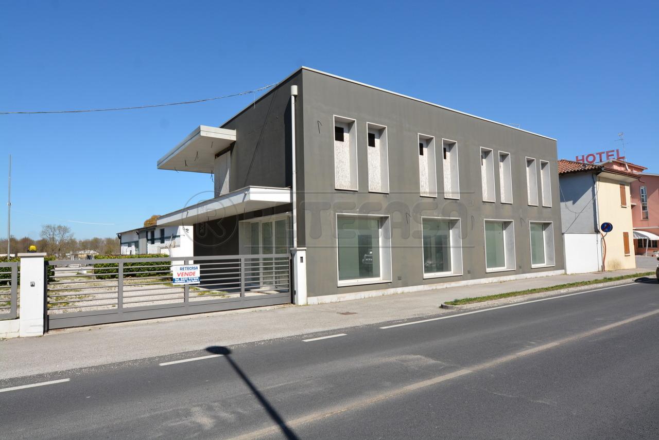 Commerciale - Negozio+Uffico a San Giorgio di Nogaro
