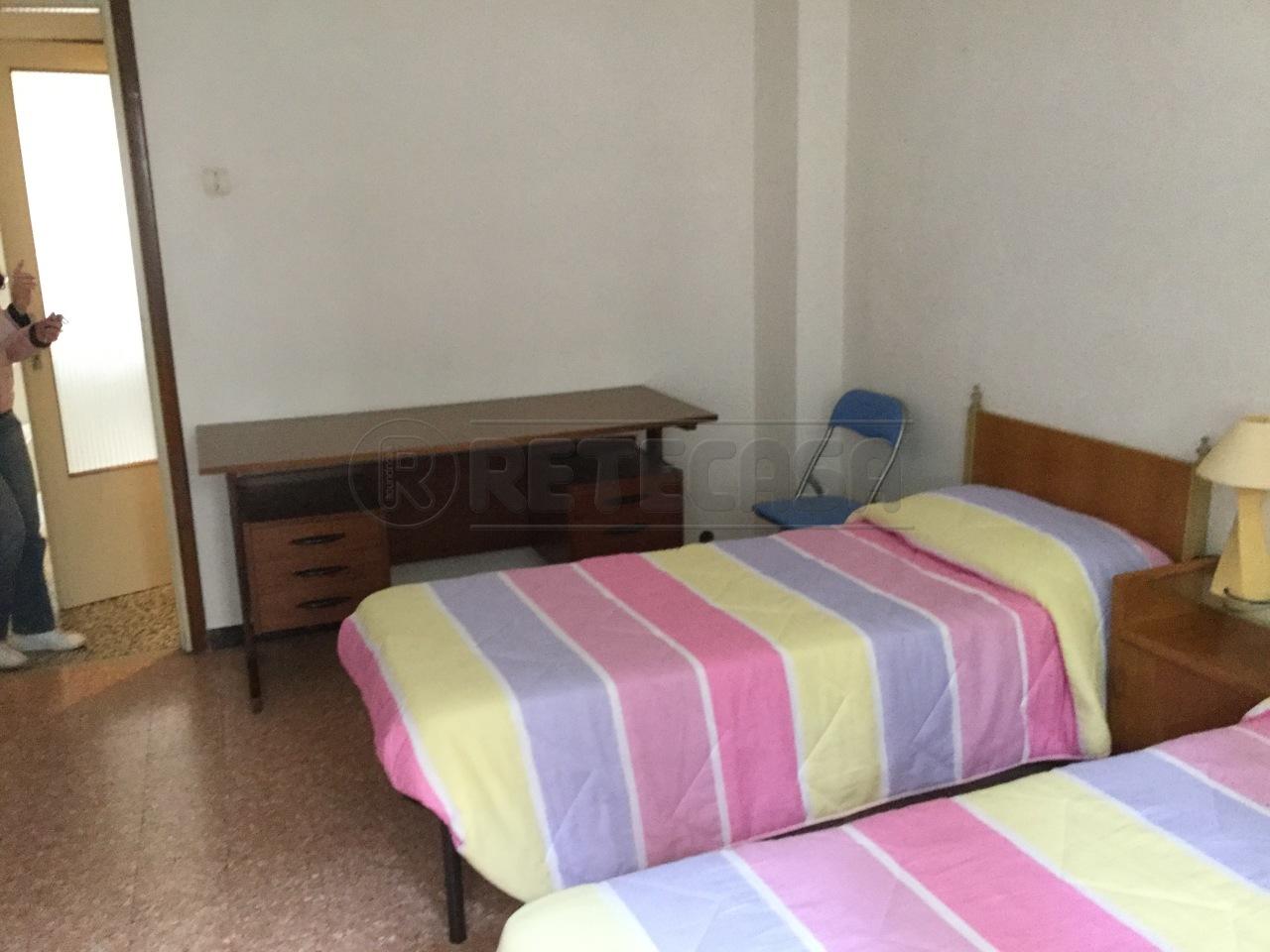 Bilocale in buone condizioni in affitto Rif. 8844067