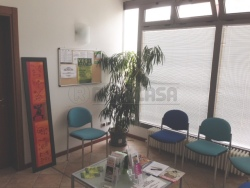 Ufficio in Affitto a Mantova, zona Pompilio, 400€, 58 m²
