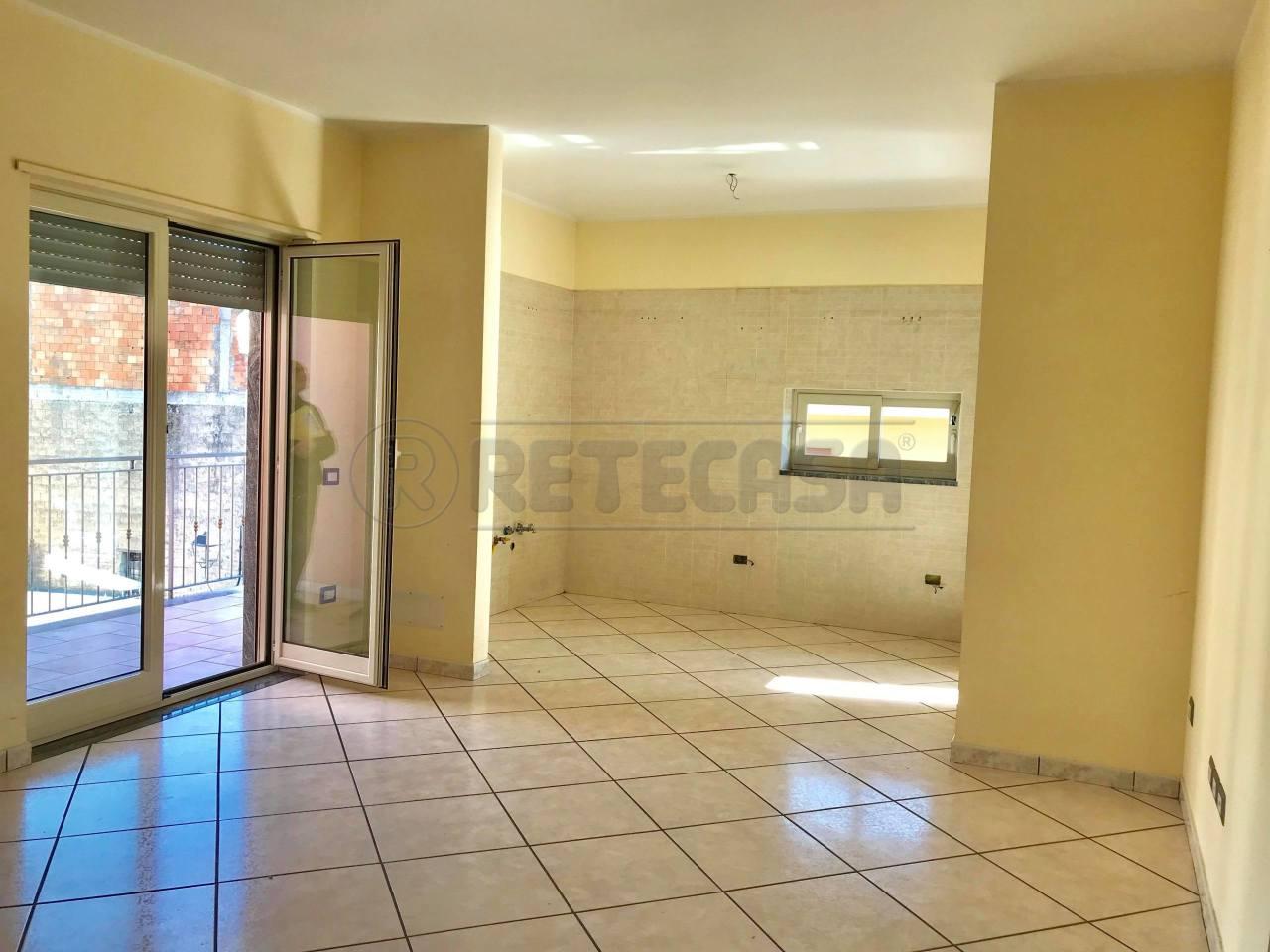 Appartamento in buone condizioni in vendita Rif. 8531888