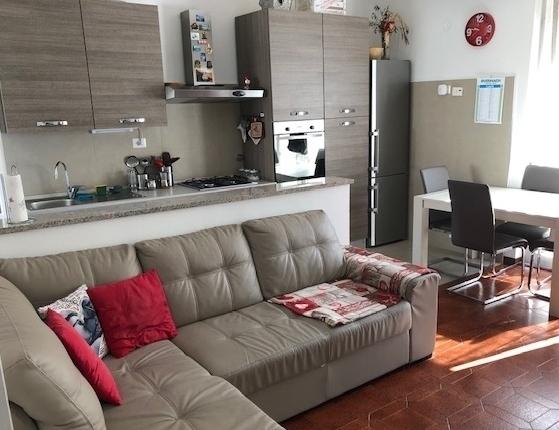 Appartamento in vendita a Casarza Ligure, 5 locali, prezzo € 130.000 | CambioCasa.it