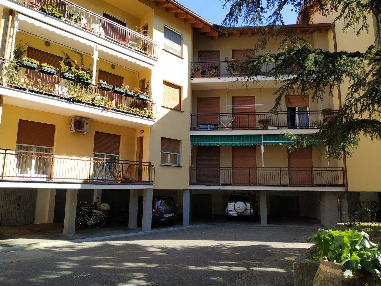 Appartamento in vendita a Sestri Levante, 7 locali, prezzo € 340.000   CambioCasa.it