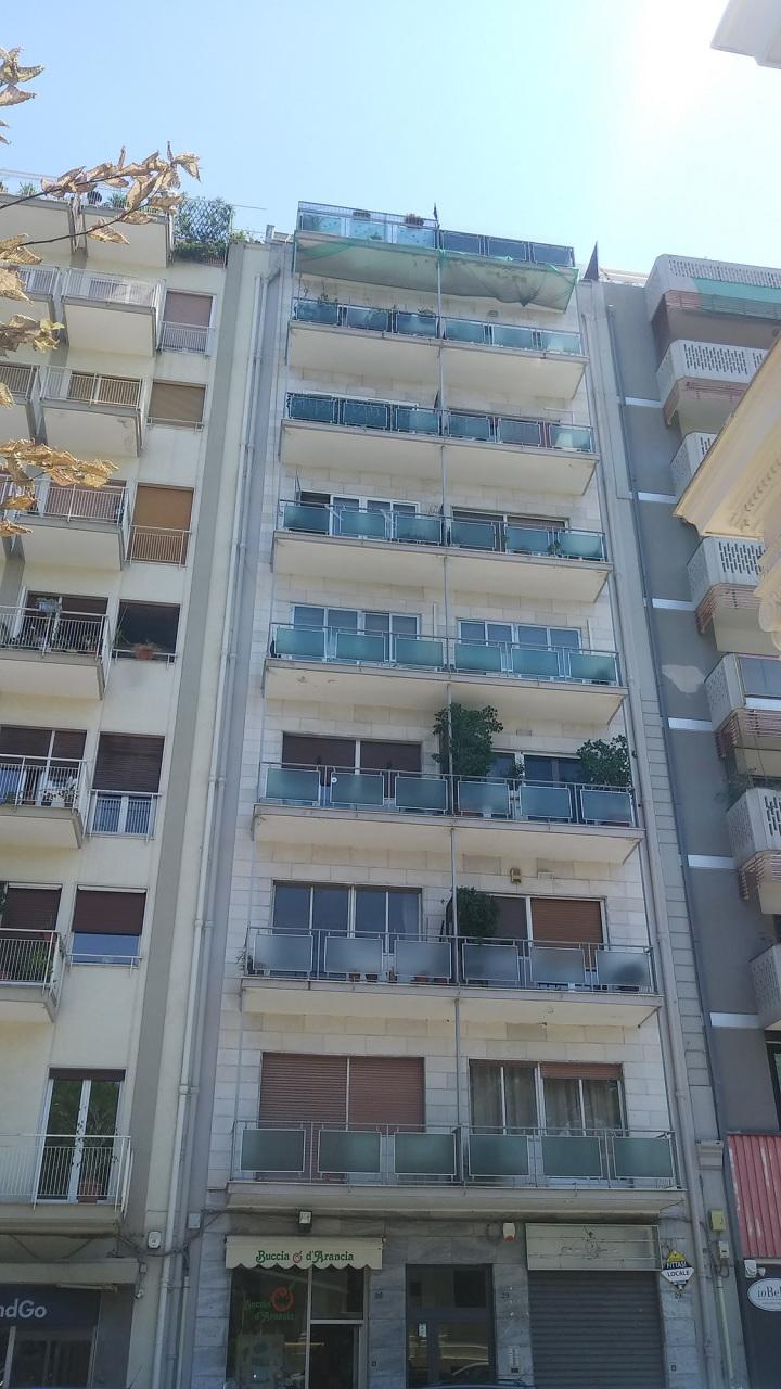 Appartamento da ristrutturare in affitto Rif. 10994310