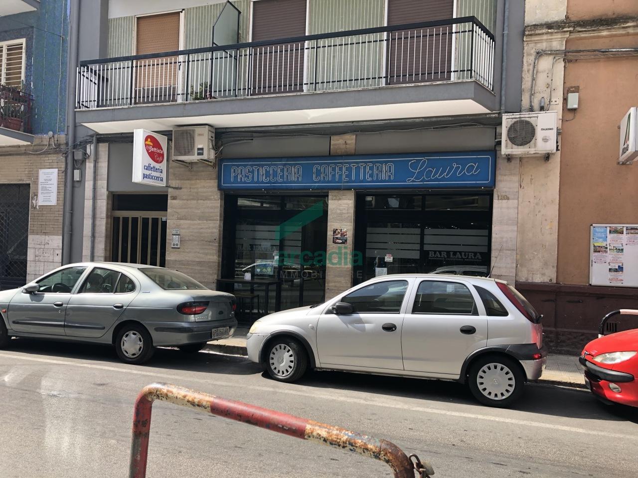 Negozio / Locale in affitto a Bari, 1 locali, prezzo € 1.500 | CambioCasa.it
