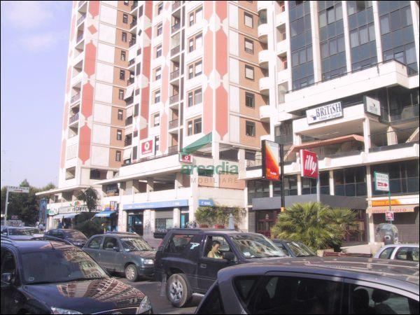 Ufficio - trilocale a Poggiofranco, Bari Rif. 10484569