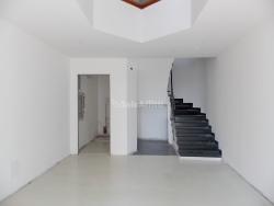 Capannone in Affitto a Catanzaro, zona Centro storico, 2'000€, 120 m²