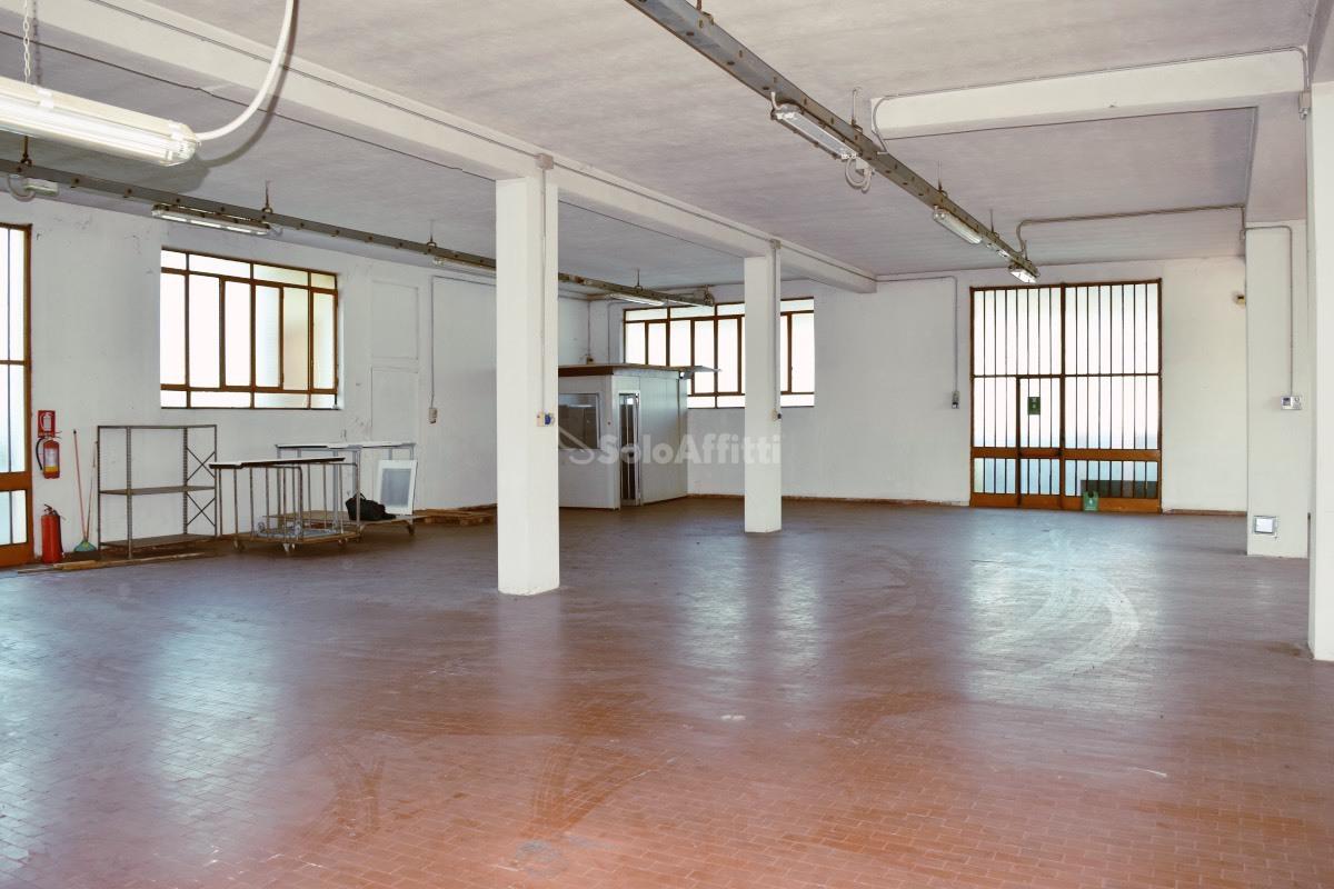 Laboratorio in affitto a Arosio, 1 locali, prezzo € 1.084 | PortaleAgenzieImmobiliari.it