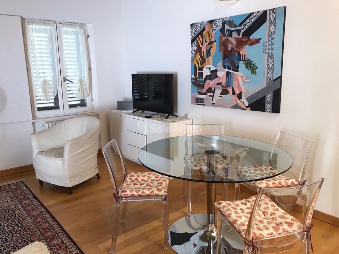 Stanza / posto letto ristrutturato arredato in affitto Rif. 12218267
