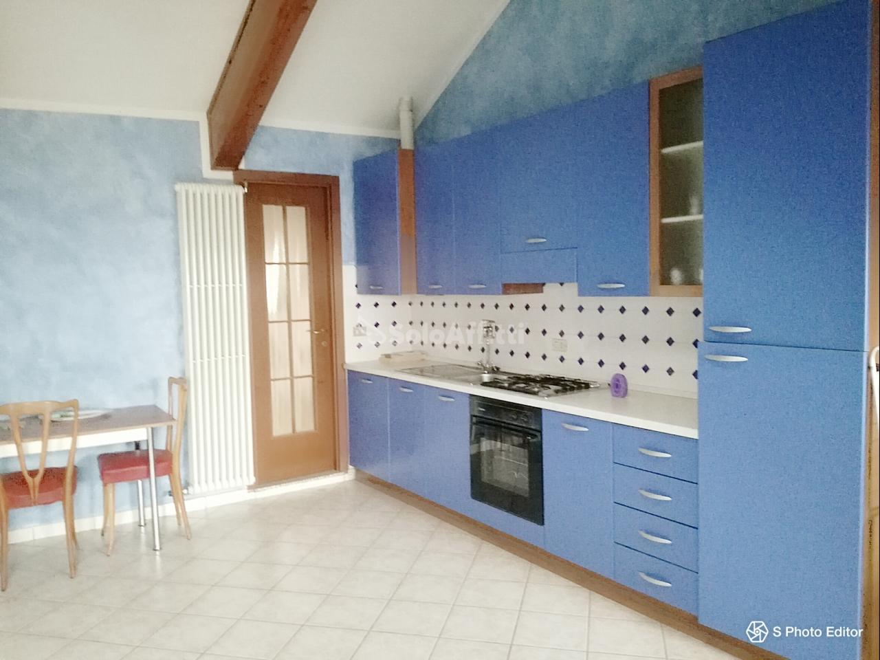 Monolocale in buone condizioni arredato in affitto Rif. 10133123